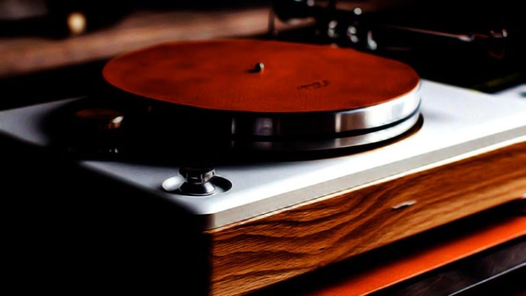 Best Turntable Under 100 FI