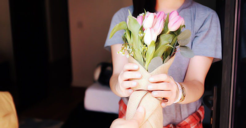 How To Send Flowers Anonymously?